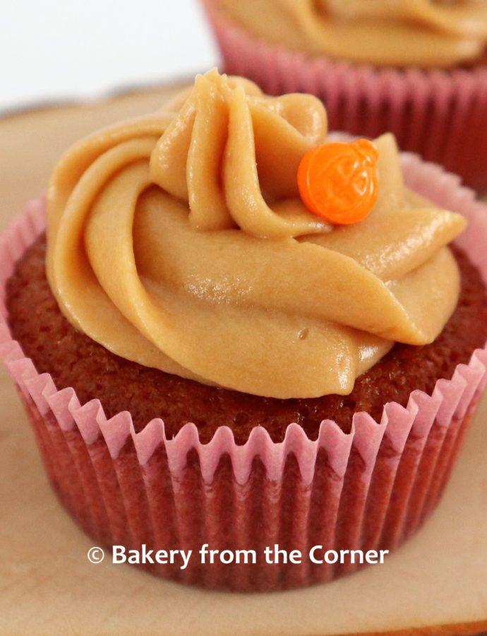 Gingerbread cupcakes met dulce de leche botercrème