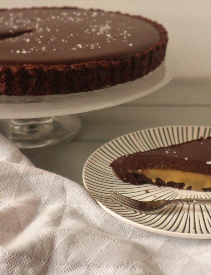 Chocolade taart met gezouten karamel en ganache